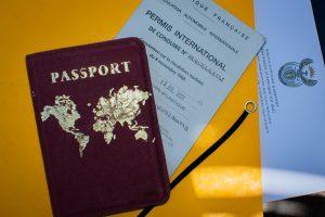 Photo des papiers qu'il faut préparer pour son voyage en Afrique du Sud